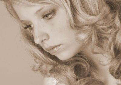 Portrait Shooting in schwarz-weiß / Heidi Debbah Visagistin & Hairstylistin