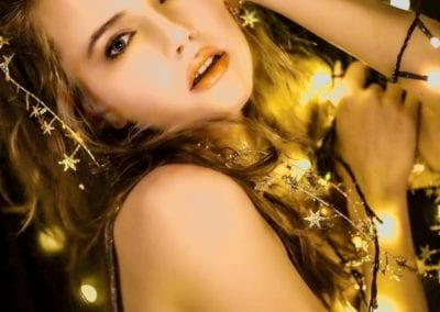 Beauty Shooting in gold / Heidi Debbah Visagistin und Maskenbildnerin